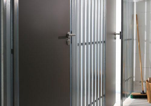 Materialmix afm Stahlprofil und afm Spanplatte