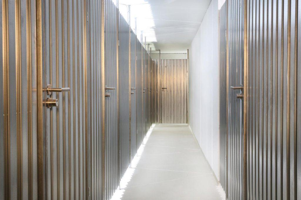 Stahllamellen-Stahl-Kellertrennwände bieten Sicherheit und Ästhetik - patentiert mit einzigartigen Vorteilen.