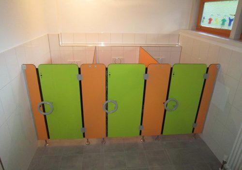 WC-Trennwände, Sanitäre Trennwandsysteme für Kindergärten und Kitas