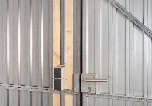 Stahlwand_mit Holz für Licht K1600_20--127 (003)