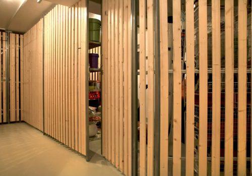 afm raumhohe Kellertrennwände aus Holz